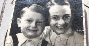 Die Brüder Peter und Franz Michalski, 2 und 9 Jahre alt. Foto: privat